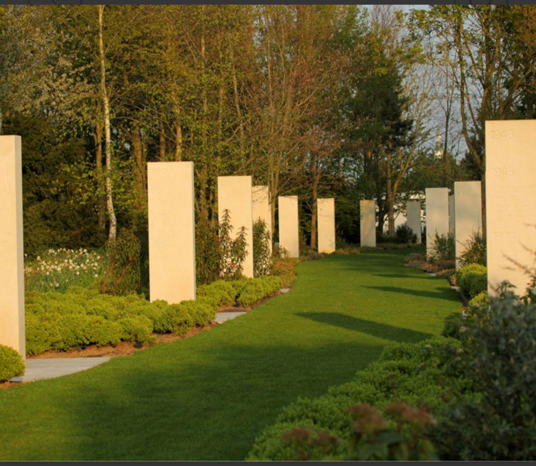 RSF rinde tributo a David Beriaín y Roberto Fraile en el memorial de Bayeux